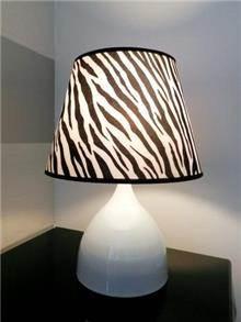 מנורת שולחן בעיצוב מרשים