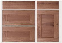 דלתות עץ מלא ופורניר  - בלורן פתרונות פרזול ועיצוב לרהיטים