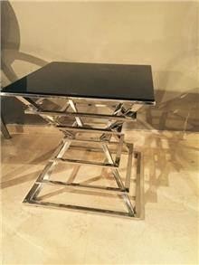 שולחן צד מרשים
