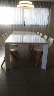 שולחן פינת אוכל לבן