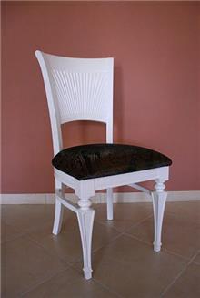 כסא לבן יחודי