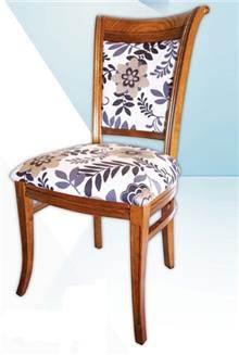 כסא בדוגמת עלים