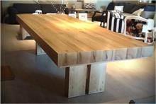 שולחן עץ מלא