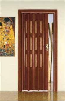 דלת אקורדיון דמויית עץ