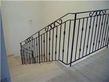 מעקה לחדר המדרגות
