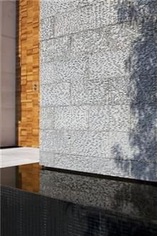 חפוי קירות לחזית הבית