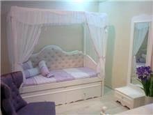 מיטת יחיד מפוארת
