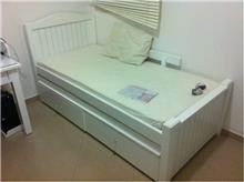 מיטת ילדים אלגנטית