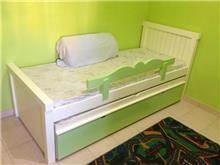מיטת ילדים ירוק לבן