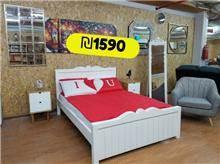 מיטה זוגית גילופים