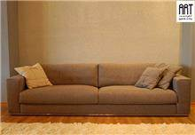 ספה בקווים ישרים
