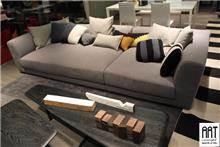 ספה אפורה בהירה