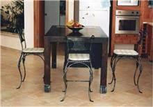 כסאות מברזל