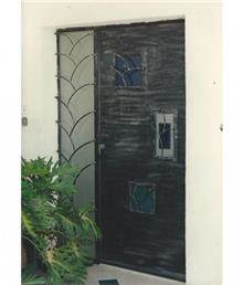 דלת כניסה מפוארת