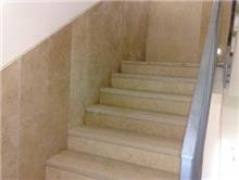 חיפוי חדר מדרגות