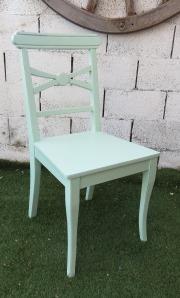 כסא אוכל ירוק בהיר