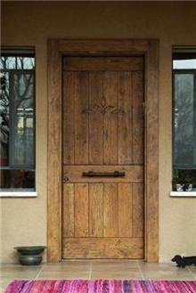 דלת לכניסה לבית