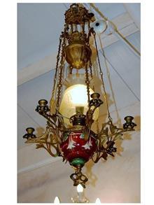 מנורת נפט מפוארת