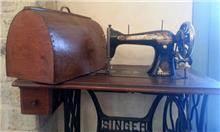 שולחן תפירה עתיק