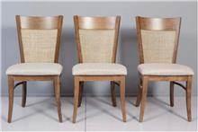 כסא עם גב קש