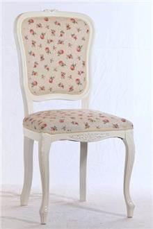 כסא עם דוגמת פרחים
