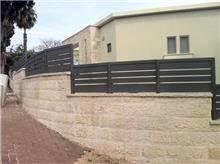 גדר אטומה בעיצוב מיוחד - טרלידור