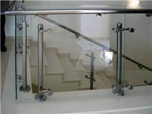 מעקות זכוכית מלוטשים - טרלידור