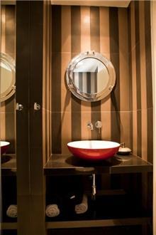 משטח שיש חום לכיור אמבטיה - אבני ניצן