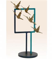 פסל ציפורים עפות