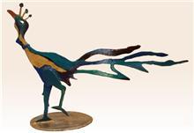 פסל טווס צבעוני