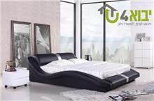 מיטה שחורה מעוצבת