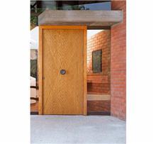 דלת כנף בחריטה אומנותית