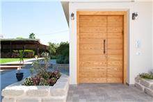 דלתות כנף וחצי לחזית