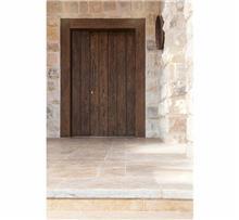 דלת עץ מלא