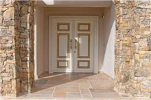 דלת דו כנפית לבנה