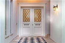דלת חזית לבנה