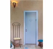 דלת בצביעה אטומה