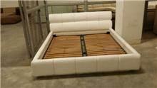 בסיס מיטה זוגית לבנה
