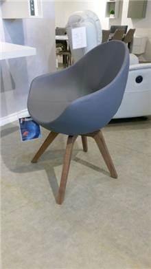 כורסא JANE של קומפר  - רוזטו עודפים