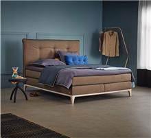 מיטה חומה