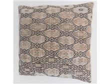 כרית נוי לספה - שטיחי אלי ששון