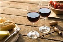 חיפוי בהדפס כוסות יין