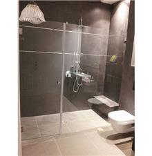 מקלחון זכוכית מפואר