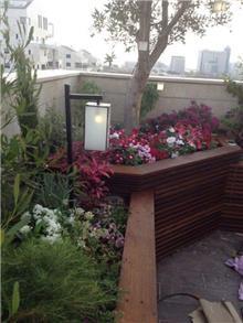 תאורת גן ויטראז' מלבני - אופק תאורה חוץ ופנים
