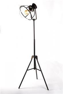 מנורה עומדת יוקרתית - אופק תאורה חוץ ופנים