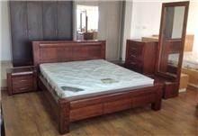 חדר שינה מעץ מייפל
