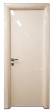 דלת מבריקה בלבן - דלתות אלון