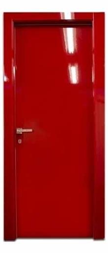 דלת מבריקה באדום - דלתות אלון