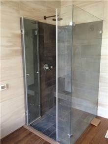 מקלחון פינתי ספא