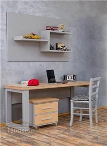 שולחן כתיבה וכוורת נועם